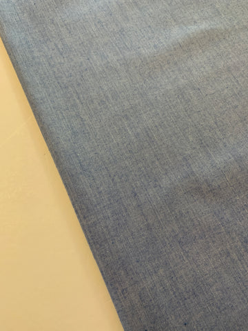 2.5m LEFT: Modern chambray cotton shirting
