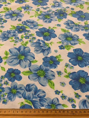 LESS THAN 2m LEFT: Vintage retro 1970s cotton sheeting w/ blue & green colourway
