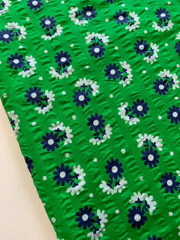 1.5m LEFT: Mod 1960s blue white pansy on apple green cotton seersucker