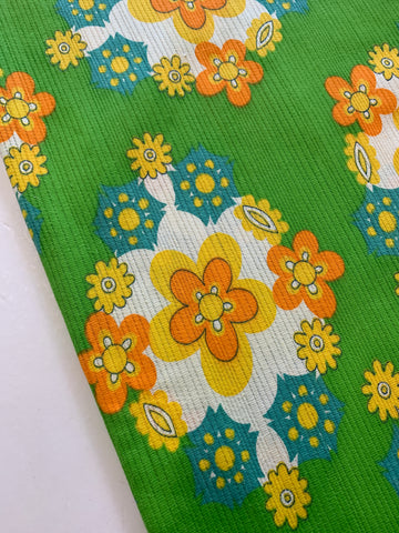 1.5m LEFT: Pure retro flower power 1960s cotton pique