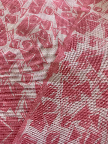 3.5m LEFT: Fun 1960s pink abstract shapes on white cotton