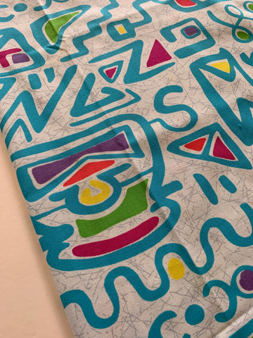 1m LEFT: Vintage 1980s quilting weight cotton w/ abstract memphis pattern