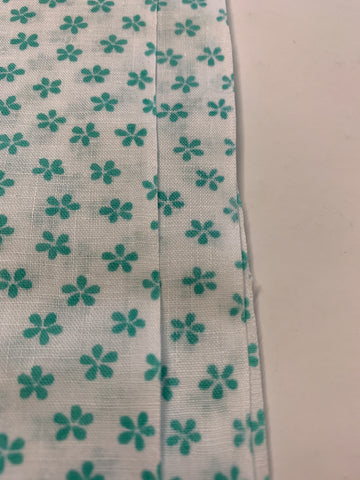 2m LEFT: Vintage 1980s light weight cotton w/ small jade flower