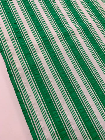 1.5m LEFT: Vintage 1970s 1980s light weight cotton seersucker w/ green stripe
