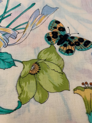 1.5m LEFT: Vintage 1980s light weight cotton w/ bright flowers beetles butterflies