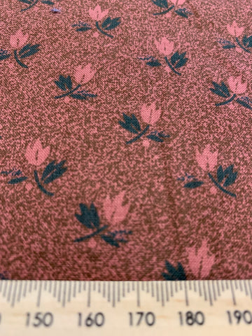 2.5m LEFT: 1990s High Country by Thimbleberries for RJR Fabrics quilt cotton