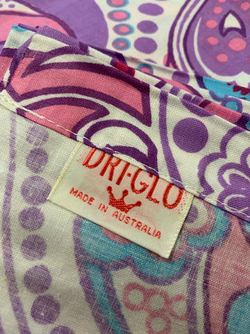 1.5m LEFT: Vintage NOS 1960s Dri-Glo cotton sheeting w/ mod retro pattern