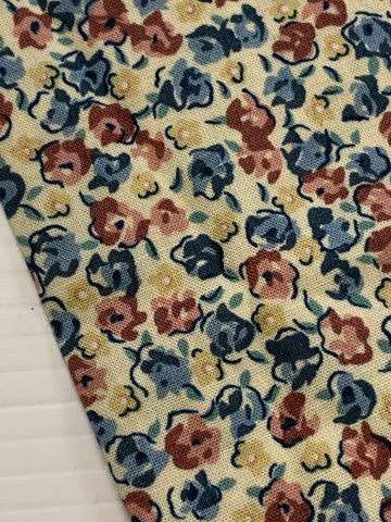 1/2m LEFT: Vintage 1980s dusky pink blue floral on cream cotton