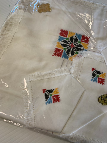 ONE SET ONLY: Unused 1960s hand embroidered tablecloth w/ serviettes Eastco