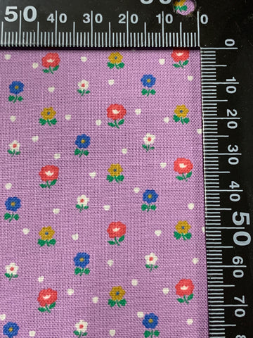 MODERN REMNANT: light weight cotton with small flowers and dots 37cm x 50cm