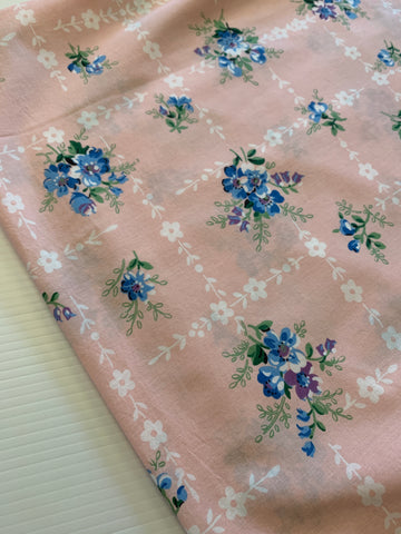 2m LEFT: Modern meets vintage 1950s Lazybones cotton sheeting