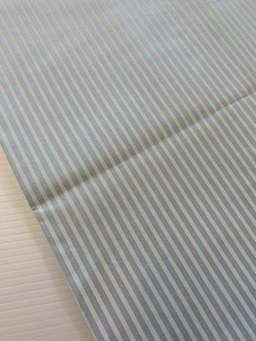 1.5m LEFT: Vintage 1980s 90s quality white pale blue striped cotton