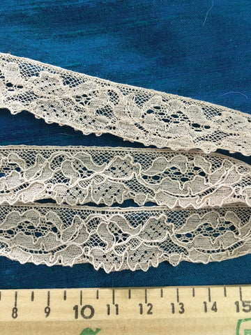 6m LEFT: Beautiful vintage English ecru coffee lace trim 1m+