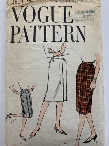 SKIRT: Vogue 1967 FF very easy to make slimline skirt size 6? *1619