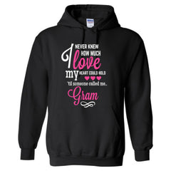 I NEVER KNEW HOW MUCH LOVE MY HEART COULD HOLD TIL SOMEONE CALLED ME GRAM PINK PRINT - Adult Hoodie