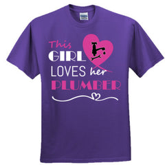 This girl loves her plumber - pink - Adult Tshirt
