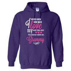 I NEVER KNEW HOW MUCH LOVE MY HEART COULD HOLD TIL SOMEONE CALLED ME GRAMMY PINK PRINT - Adult Hoodie