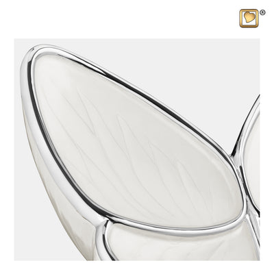 M1042  Wings of Hope™ Medium Urn Pearl White & Pol Silver