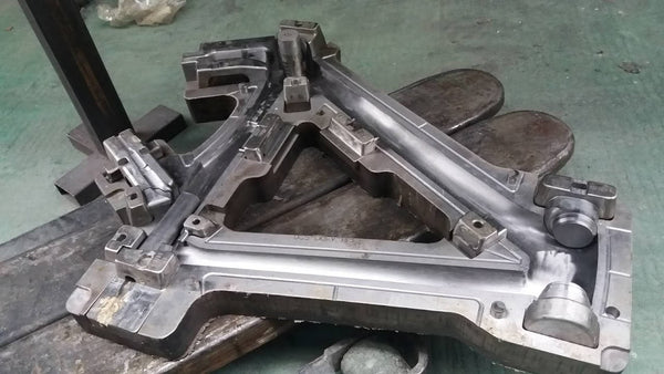Handsling A1R0evo main frame mould