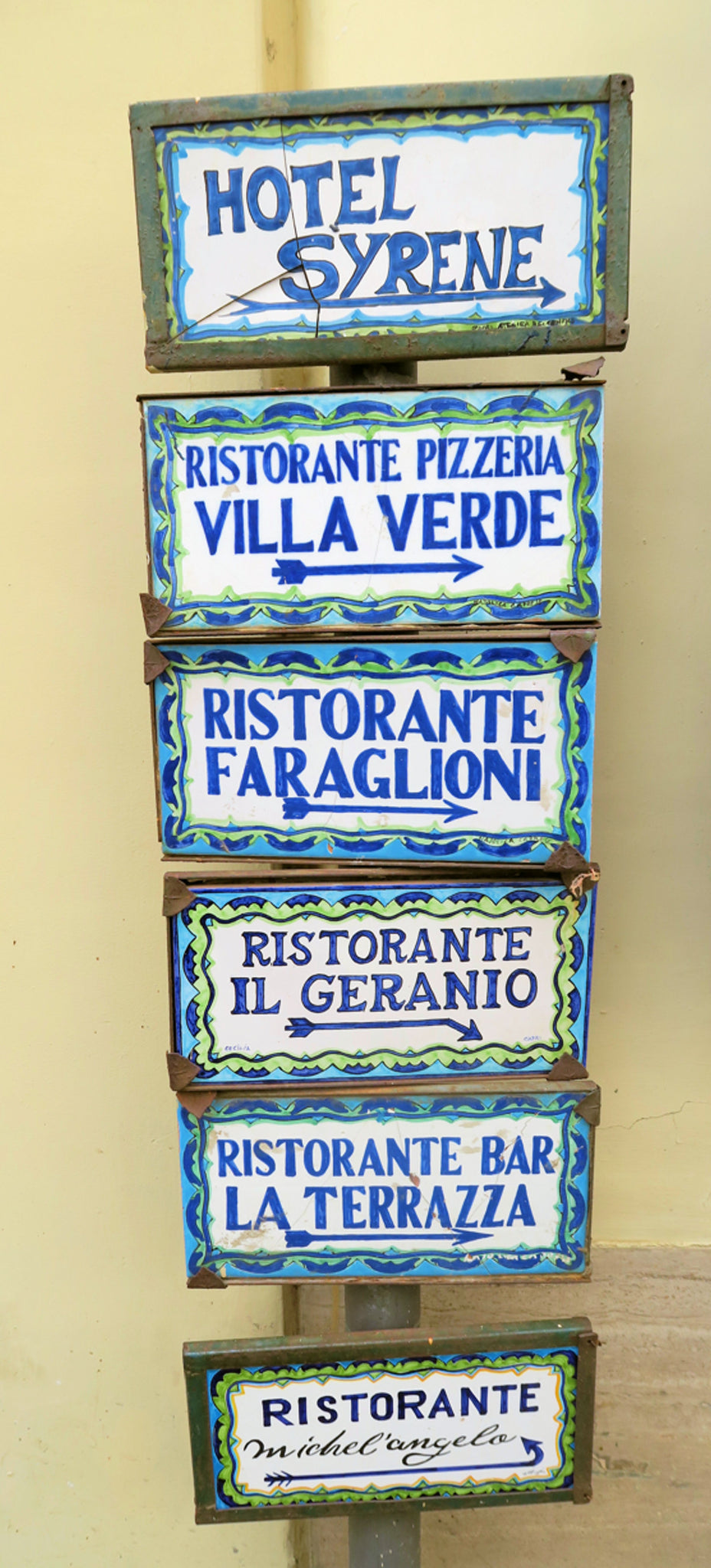 handpainted signs of Capri