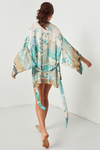 Spell || Cloud Dancer short kimono in porcelain