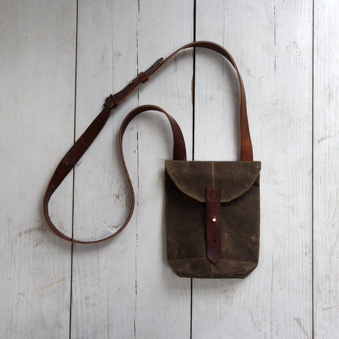 The Small Hunter Satchel