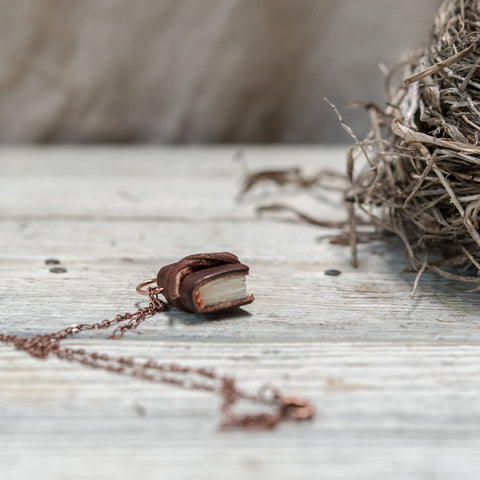 The Harper Book Necklace (brown) with Tie
