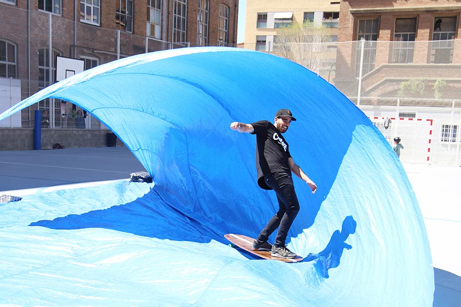 tarp surfing surfcity barcelona 2016 surfskate hang five