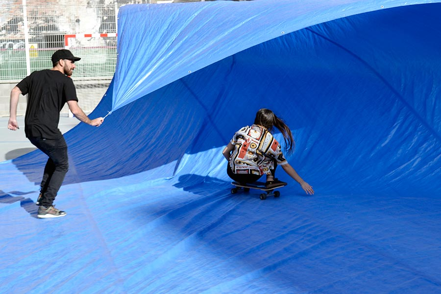 tarp surfing surfcity barcelona 2016 surfskate slide new hog