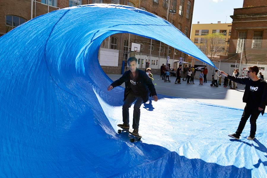 tarp surfing surfcity barcelona 2016 surfskate father