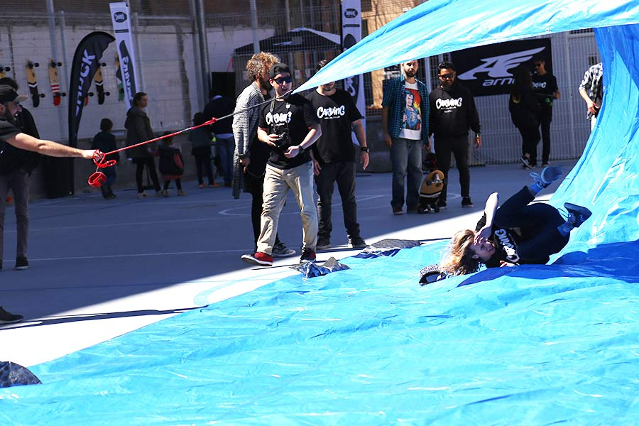 tarp surfing surfcity barcelona 2016 wipeout