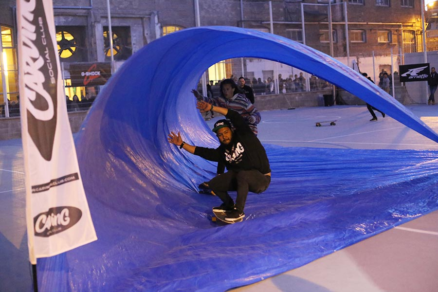 tarp surfing surfcity barcelona 2016 surfskate night surfing