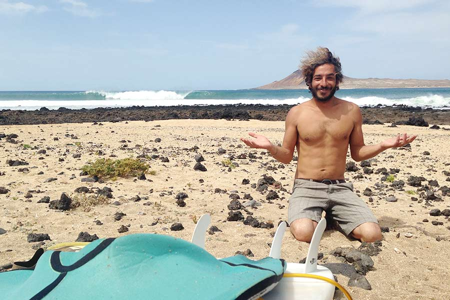 surfing lanzarote surfari