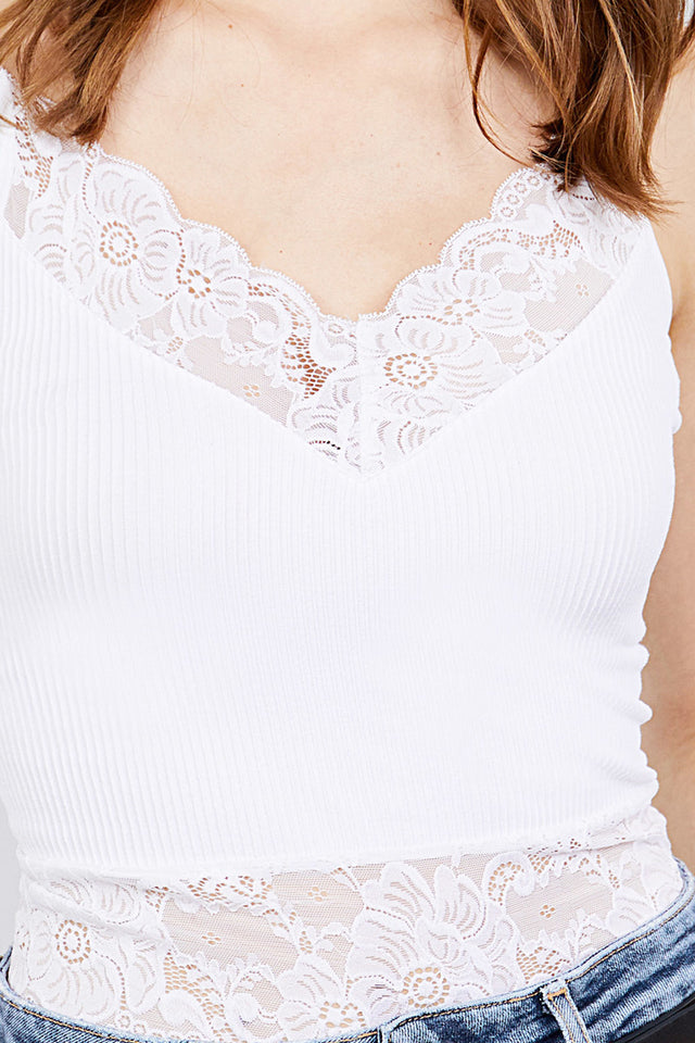 V-NECK w/LACE DETAIL RIB SEAMLESS CAMI TOP - Baby Doll Luxury Hair