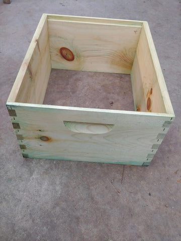 Commercial 8 Frame Hive Body Dipped
