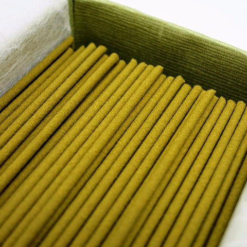MAINICHI BYAKUDAN - SANDALWOOD 150 sticks close up