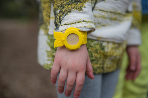 BUGLET  YELLOW Hoot 'n Holler Owl (kit incl. one bottle of repellent oil) - Bug Repellent Bracelet
