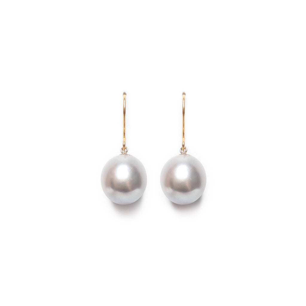 Timeless grey pearl drop earrings by London based pearl jewellery designer ORA.