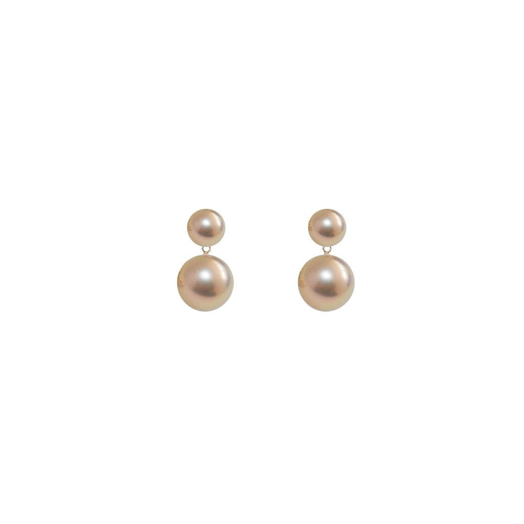 Elegant and romantic: ORA Pearls duet pearl earrings pinky gold pearls.