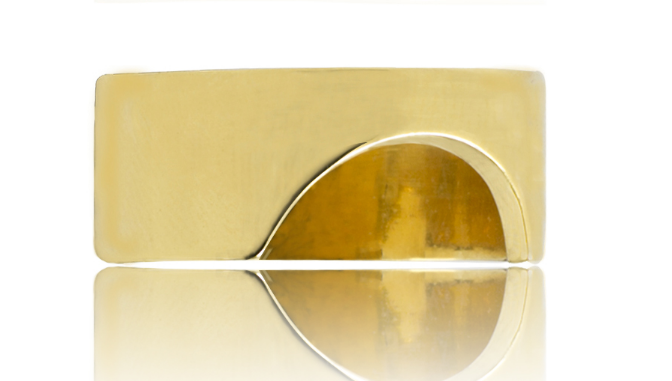 Statement ring for men and women by contemporary British designer Rokus Jewellery.