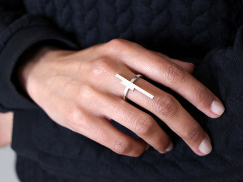Sterling Silver Linear Ring by Ana Pina - Art Jewellery Store: Song of Jewellery