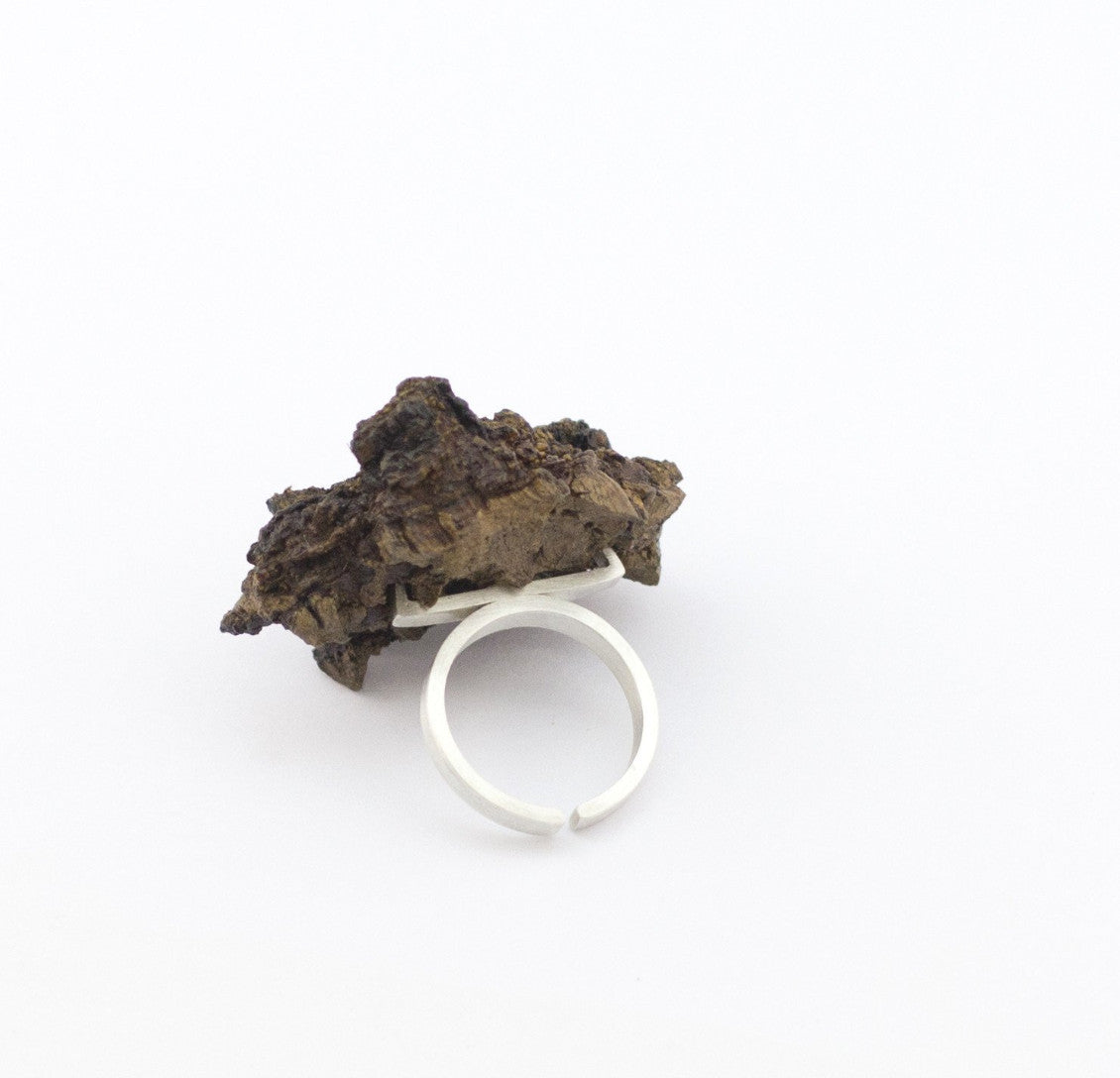Sterling silver ring adorned with cork. The ring weighs 8.4gr and is part of Leonor Silva's Cork Collection.