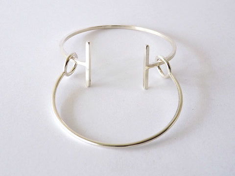 Sophisticated Modern Bangle in Silver or Gold - Articular Collection by Ana Pina - Art Jewellery Store: Song of Jewellery