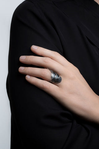 Oxidised Silver Swan Ring by Aurum - Art Jewellery Store: Song of Jewellery