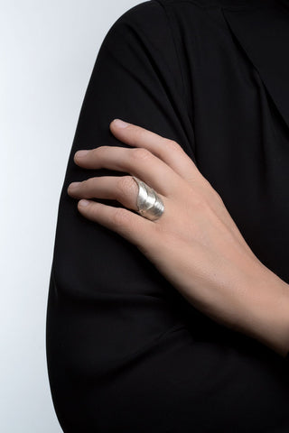 Silver Swan Ring by Aurum - Art Jewellery Store: Song of Jewellery