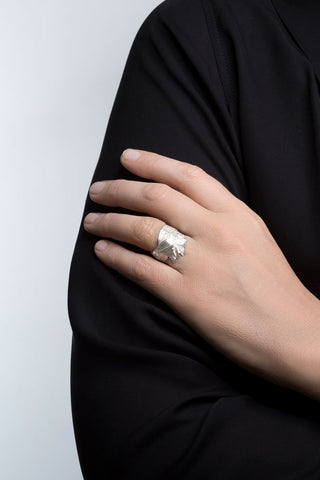 Silver Swan Feathers Ring by Aurum - Art Jewellery Store: Song of Jewellery