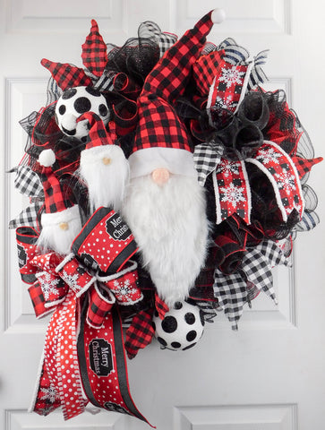 Buffalo Plaid Santa Gnome Christmas Wreath