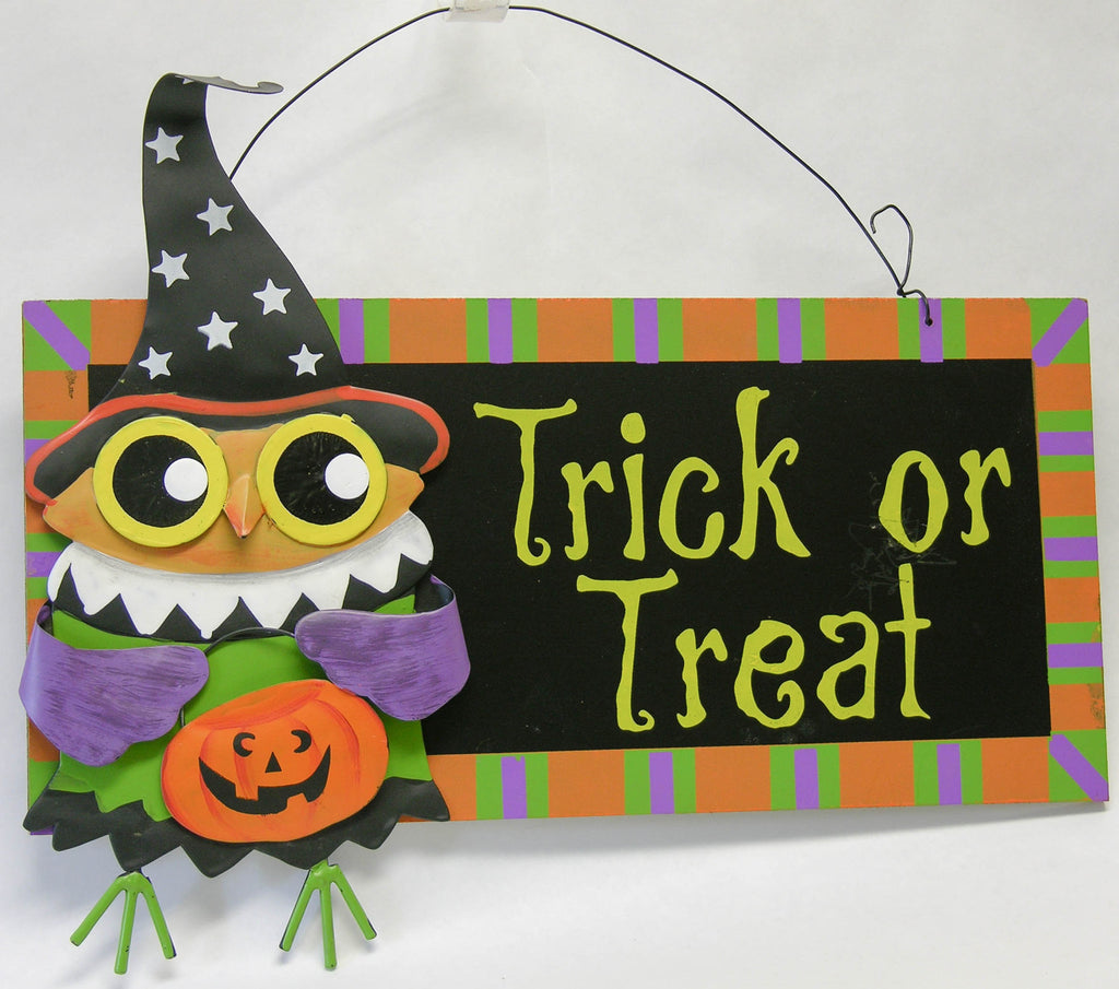 Metal Owl Trick or Treat Sign