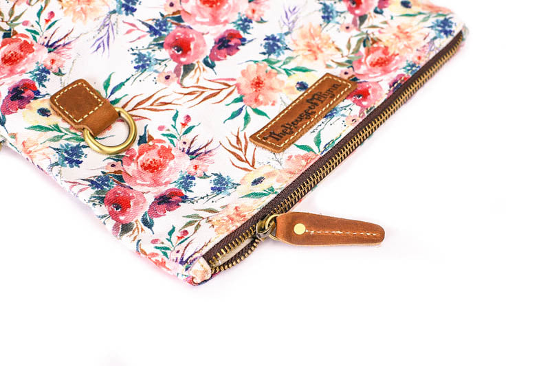 NEW- Playa Clutch