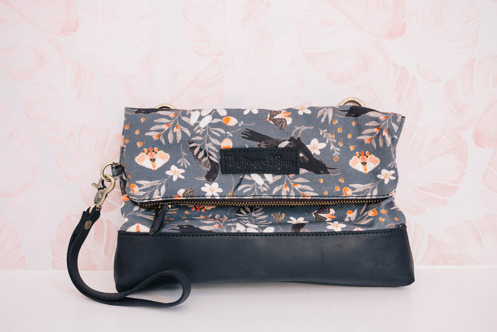 CLEARANCE-Raven Clutch- Black
